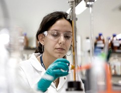A Novartis másfél milliárd dollárt fizet a Fougera Pharmaceuticalsért