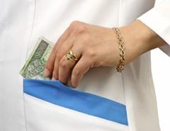 Fizetésemelés a kórházi gyógyszerészeknek
